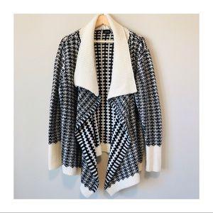 EUC | Apt. 9 BW Knit Oversized Cardigan Sweater